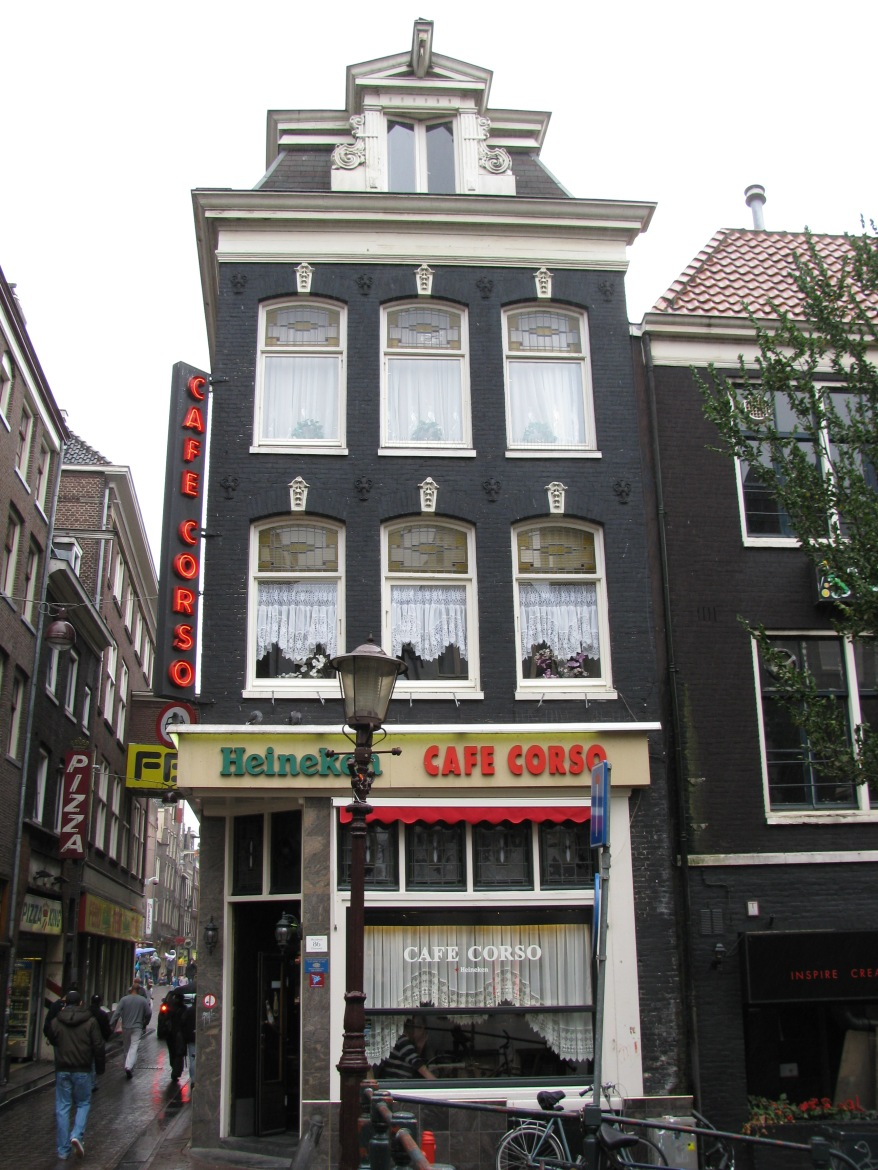 Msny charming buildings such as this in Amsterdam