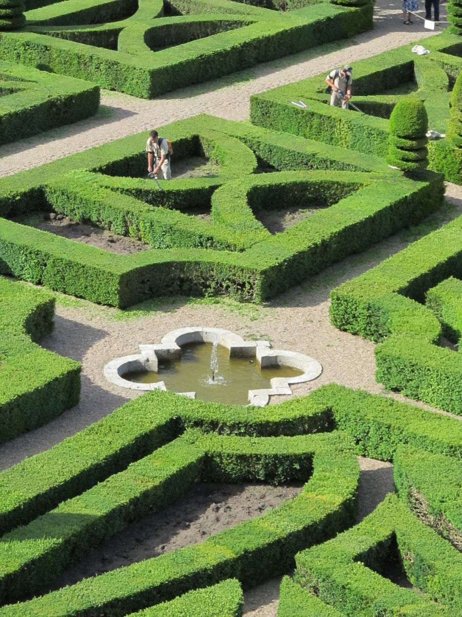 FRANCE finest formal garden VILLANDRY