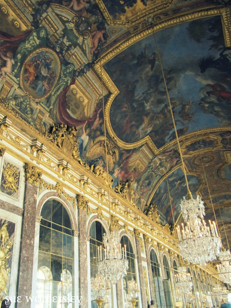 loving all of the grande french CHANDELIERS