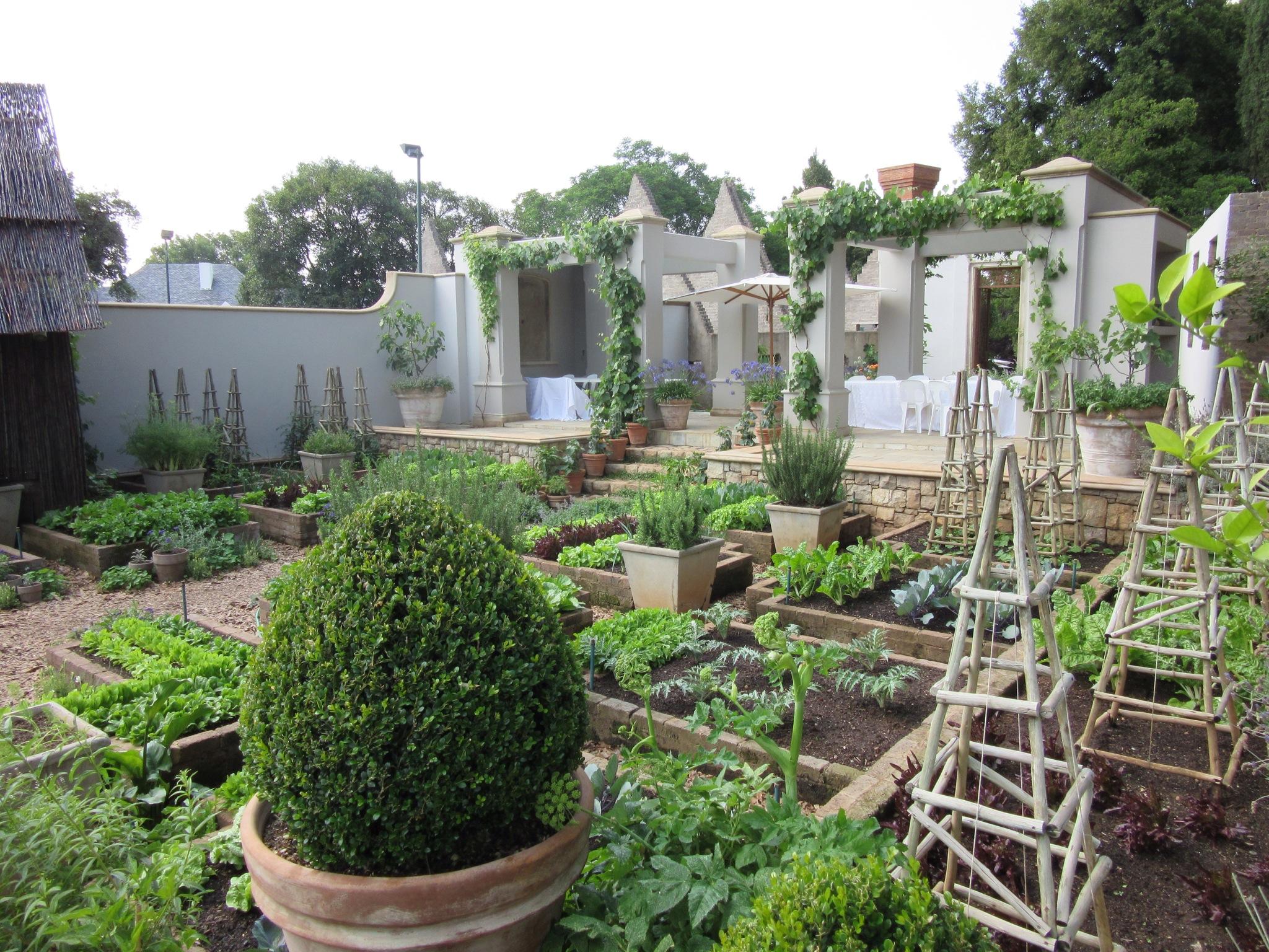 Beechwood gardens johannesburg south africa decorata for Garden design johannesburg