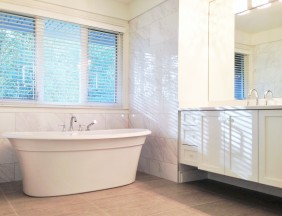 Ensuite freestanding tub Morgan Creek
