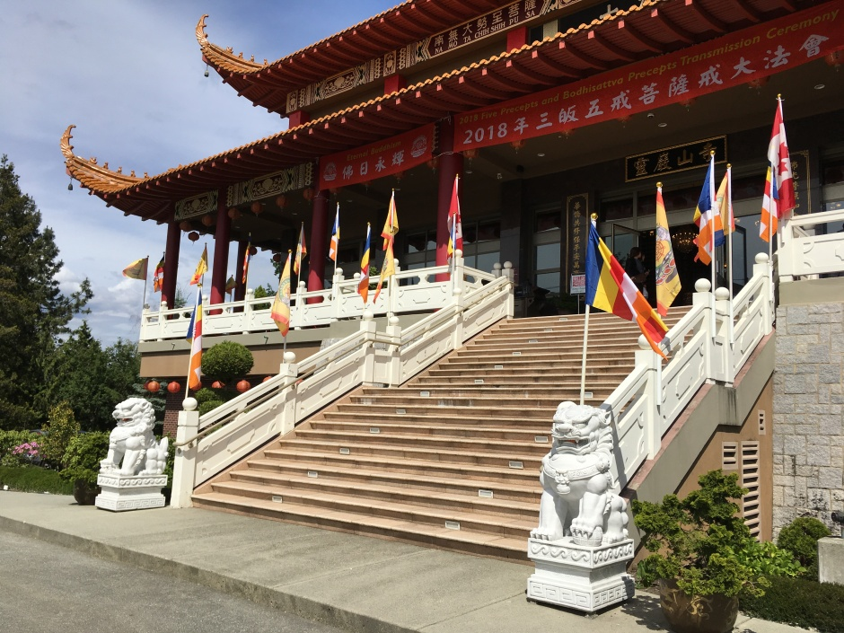 buddist temple entrance